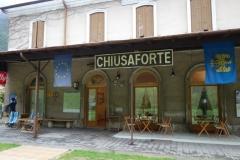 italská kavárna na zrušeném nádraží