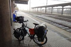 kolo s brašnami na nádraží v Hranicích na Moravě