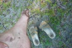 špinavé chodidla