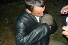 Lubomír hladí ježka