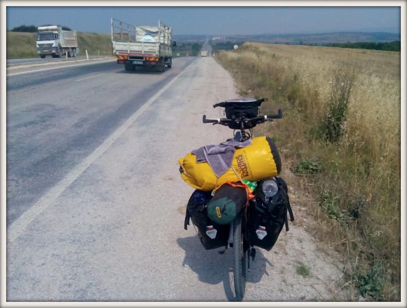 kolo na turecké silnici