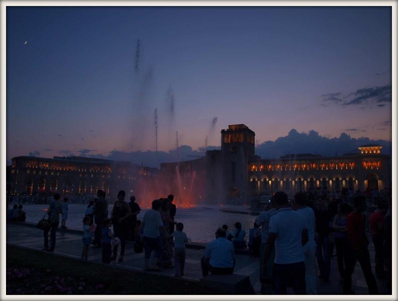 večerní oslava státního svátku v Jerevanu