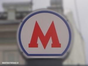 znak metra v Moskvě