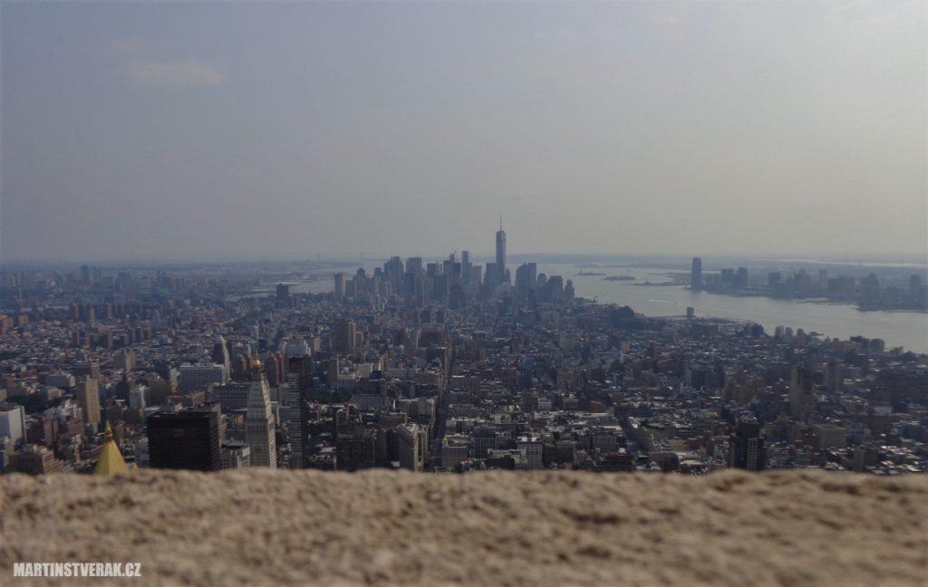 Manhattan z výškové budovy Empire State Building