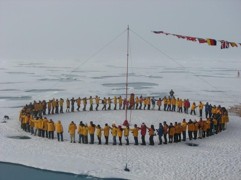 turisté na Severním pólu