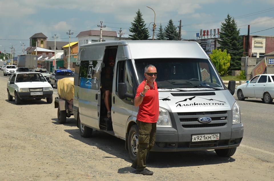 převoz turistů po Kavkazu
