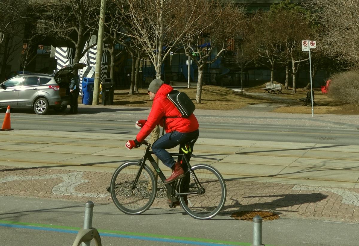 na kole po Torontu