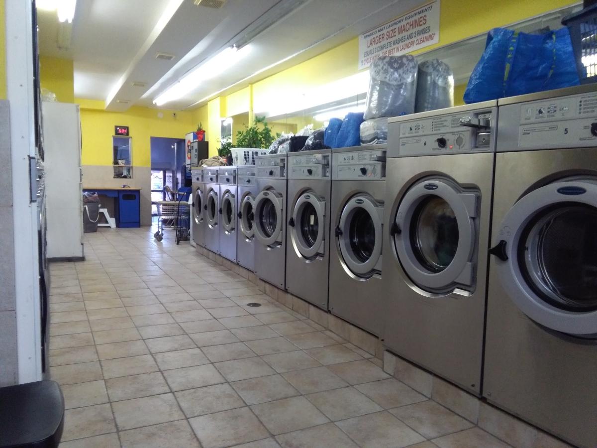 praní ve veřejných prádelnách
