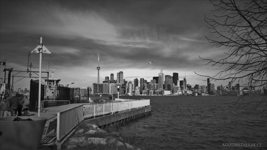 Toronto z ostrovu